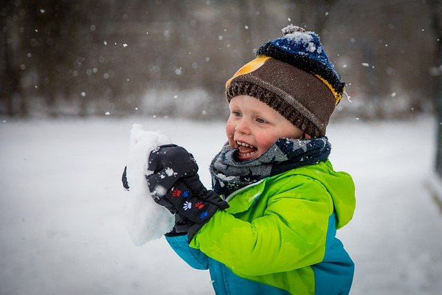 Butterfly Beginnings Play Therapy in Davenport, Iowa shows how to play in the snow